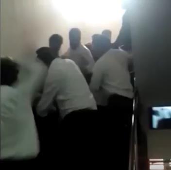 فيديو.. أقارب الطفلة الهندية الصمّاء التي اغتصبها 17 شخصاً يهاجمون المغتصبين