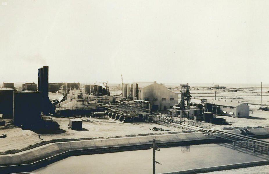 بدأت بالمسجد النبوي قبل 115 عامًا.. قصة نشأة وتطور استخدام الكهرباء في المملكة
