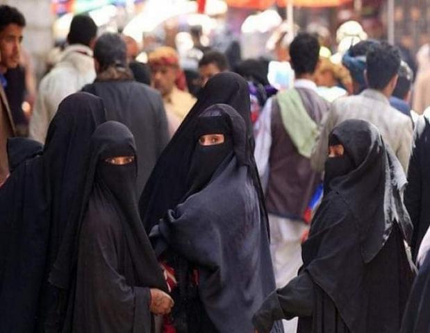"""اليمن.. رفض حوثي لمشروع إنساني لتشغيل نساء بمبرر """"العادات"""""""