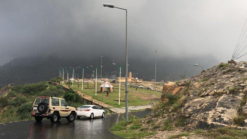 """""""الأرصاد"""" تصدر تنبيهات بأمطار رعدية في عدد من المناطق ورياح نشطة في أخرى"""