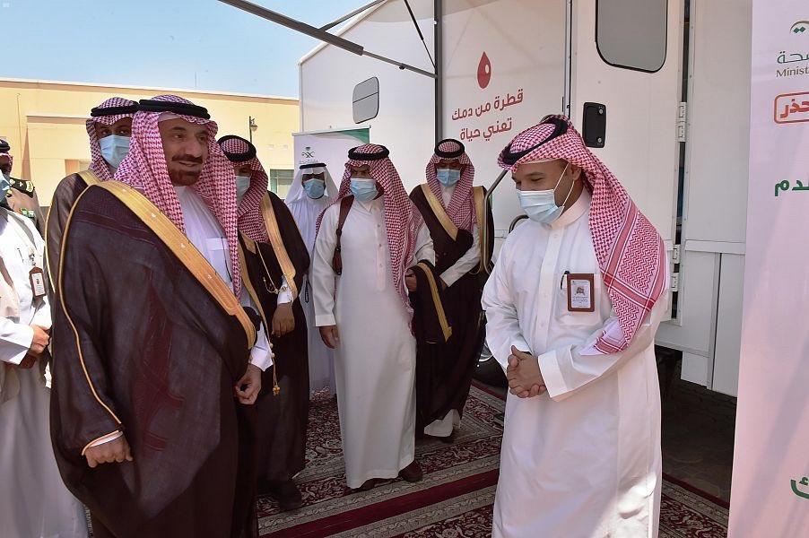 """""""أمير نجران"""" يدشن عربات الصحة المتنقلة ويطلق حملة """"الوادي الكريم"""" للتبرع بالدم"""