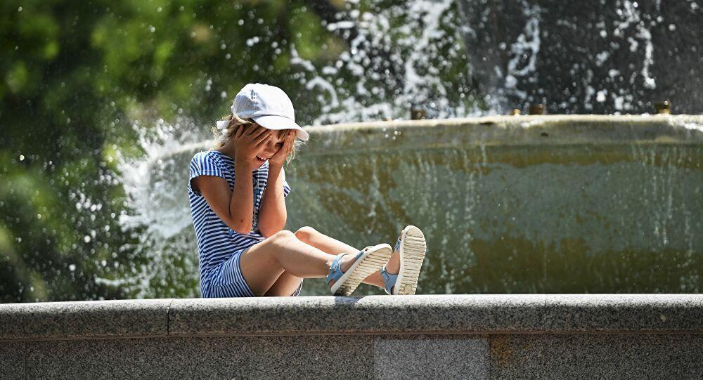 لماذا تختلف درجات الحرارة المعلنة عما يشعر به الشخص بالفعل؟