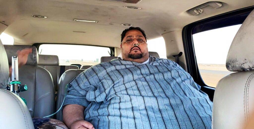 بلغ وزنه أكثر من 270 كلجم.. مريض سمنة بالطائف يناشد علاجه بعد تفاقم وضعه الصحي