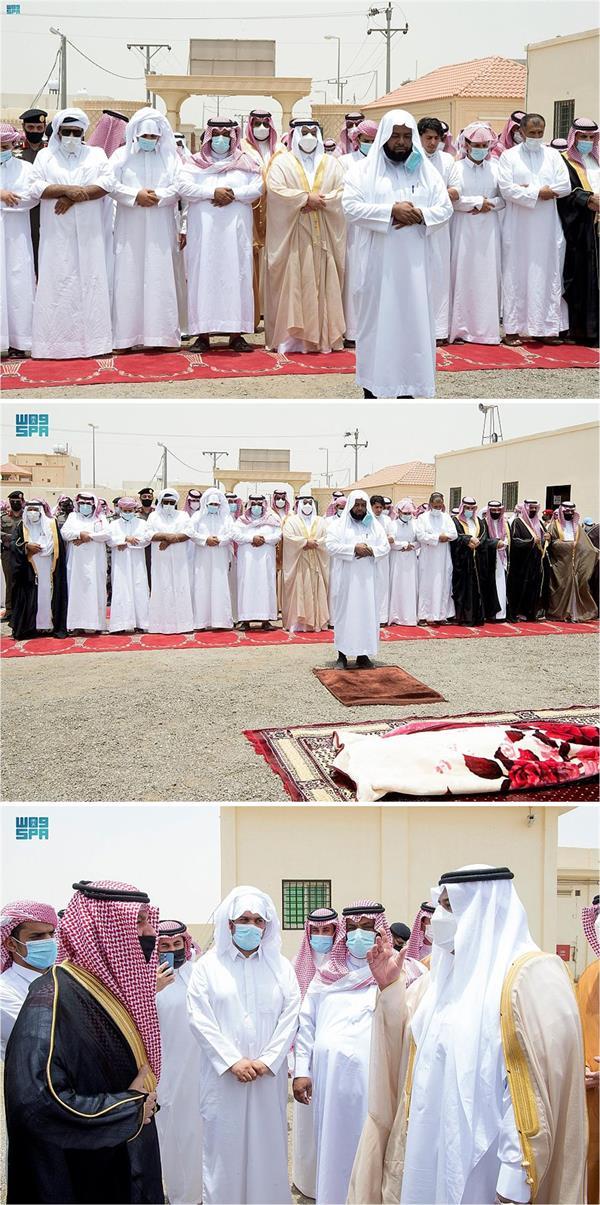 """نائب أمير الرياض يؤدي صلاة الميت على الشهيد """"القحطاني"""""""