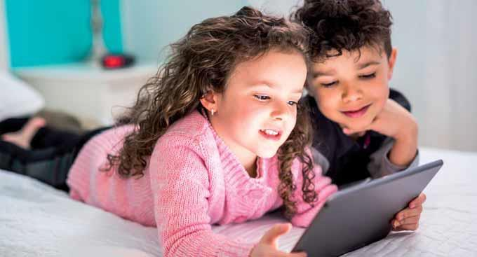"""لزيادة أمان """"الإنترنت"""" للأطفال.. المملكة تتجه لاستخدام معيار عالمي جديد لرفع الوعي الرقمي"""