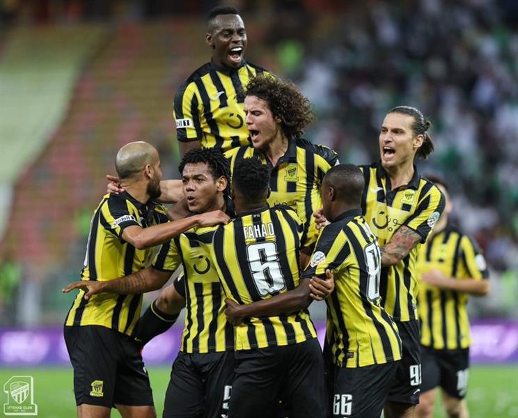 """تعليق """"مثير"""" من حاتم علي باعشن حول مباراة الاتحاد والأهلي !"""