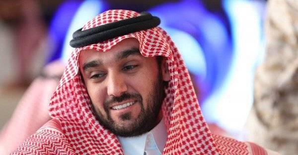 عبدالعزيز الفيصل يهنئ المنتخب السعودي بالفوز على سنغافورة