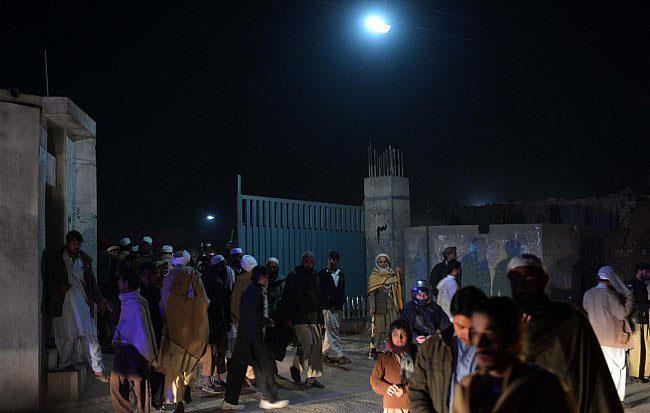 مقتل 7 أشخاص في تفجير مسجد بباكستان