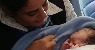 طفلة تفوز بتذكرة سفر مجانية مدى الحياة بعد لحظات من ولادتها