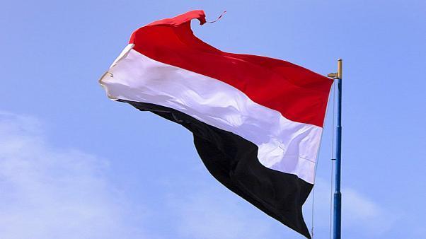"""""""الانتقالي"""" يتخلى عن الإدارة الذاتية لجنوب اليمن.. و""""عبدربه"""" يكلّف """"عبدالملك"""" بتشكيل حكومة جديدة"""