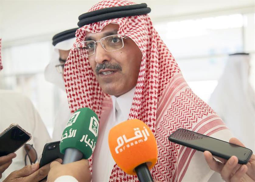 وزير المالية يفسر رفع أسعار البنزين قبل توفير بدائل من المواصلات العامة