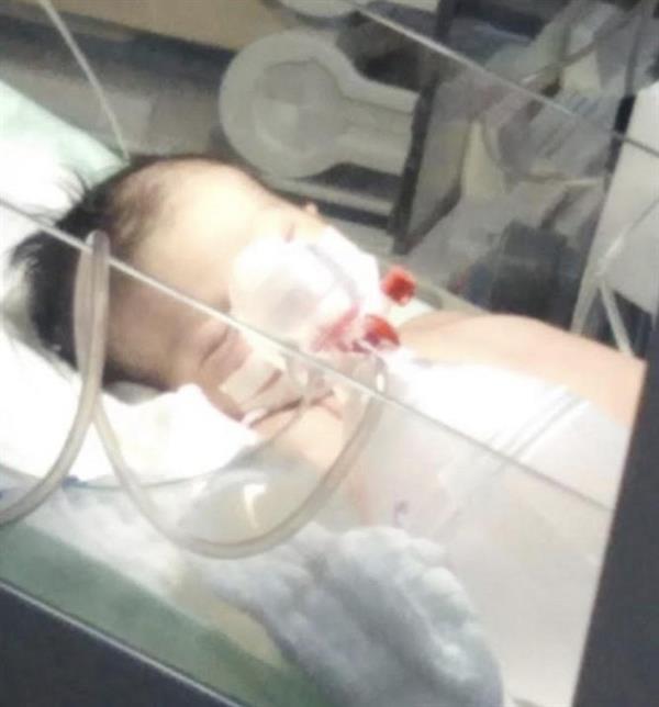 """إدانة الطبيبة المُتهمة بالتسبب في وفاة الطفلة """"رنا"""" بجازان.. وهكذا عاقبتها المحكمة"""