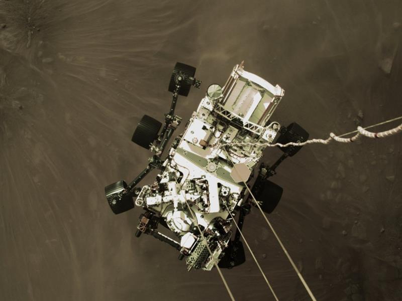 """شاهد.. لحظة هبوط مركبة الفضاء الأمريكية """"برسيفيرانس"""" على المريخ"""