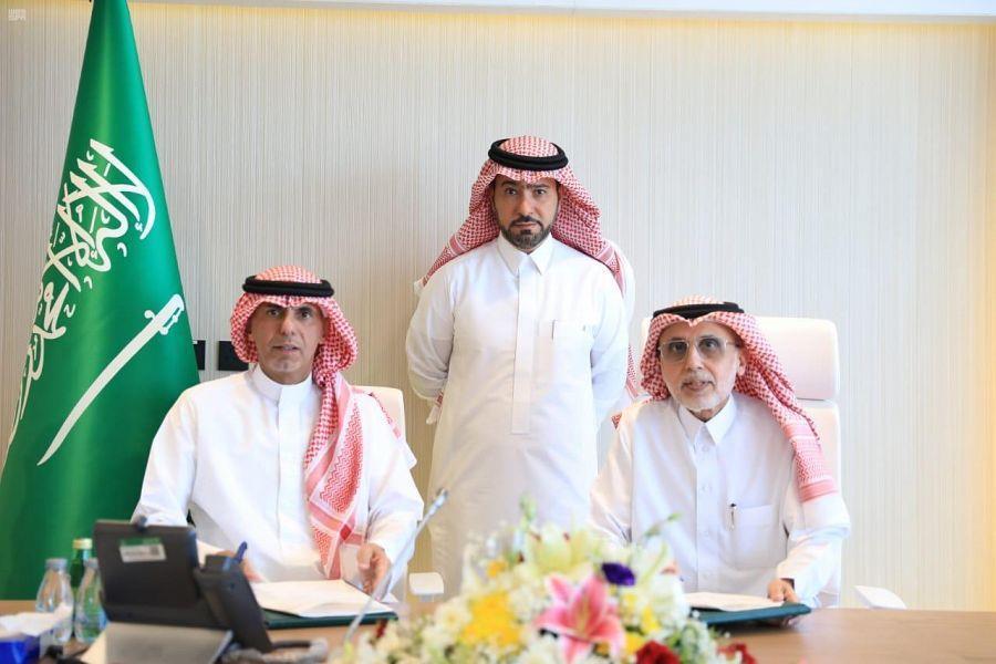 """""""الشؤون البلدية"""" توقع اتفاقية لبناء مسجد باسم منسوبيها"""