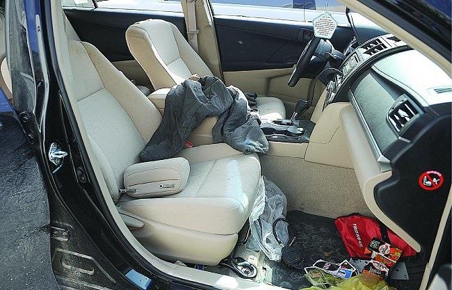 الجناة صدموا سيارة الضحية من الخلف وأنزلوا سائقه الفلبيني تحت التهديد بمسدس ولاذوا بالفرار