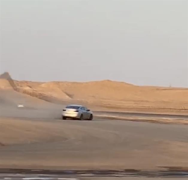 المرور يضبط مركبة وقائدها لقيامه بالتفحيط في عرعر