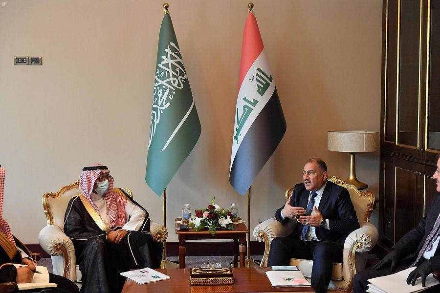 وزيرالصناعة والثروة المعدنية يبحث مع نظيره العراقي مجالات التعاون بين البلدين