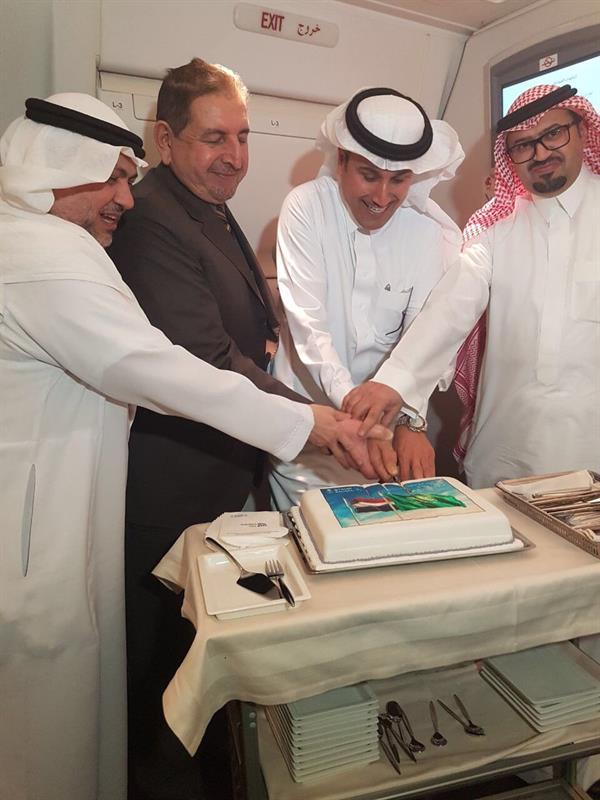 بالصور.. هبوط أول طائرة للخطوط السعودية في بغداد للمرة الأولى منذ 27 عاماً
