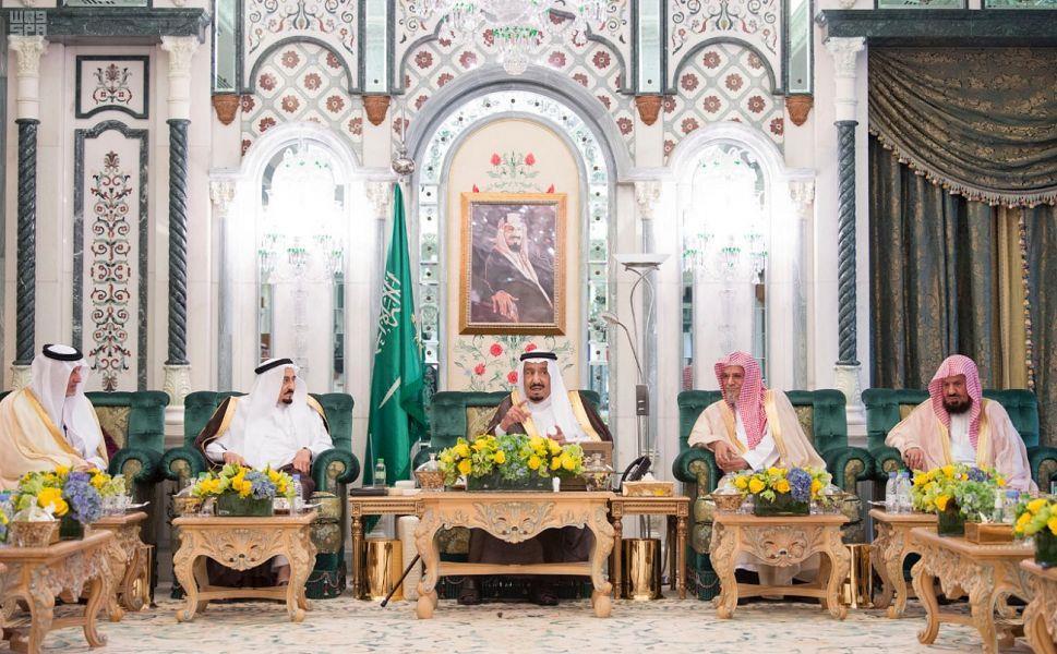 خادم الحرمين يصل مكة المكرمة لقضاء العشر الأواخر من رمضان بجوار بيت الله الحرام