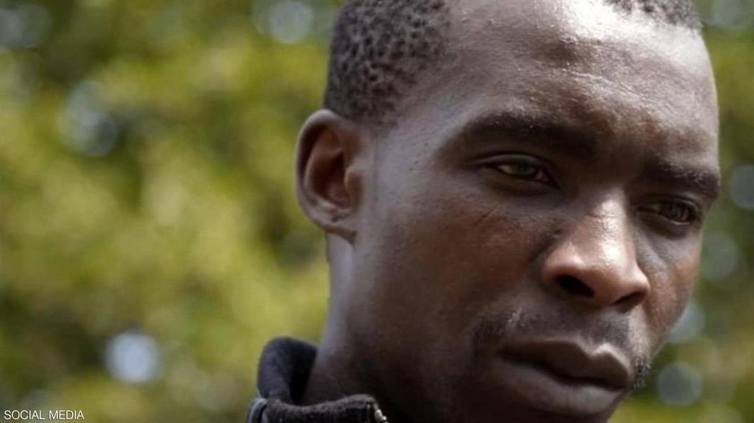 شاب أفريقي يروي تفاصيل رحلته إلى بريطانيا داخل المكان المخصص لعجلات الطائرة