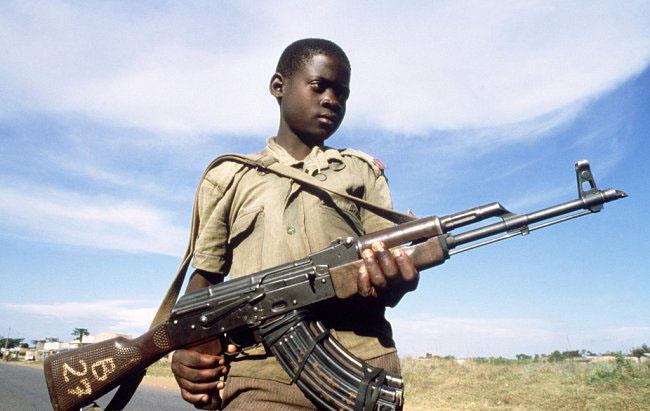 أوغندا تسلم 36 من الأطفال الجنود إلى الأمم المتحدة