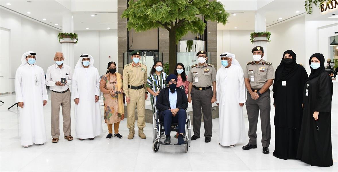 دبي: إقامة ذهبية ومنح دراسية لفتاتين توفـي والداهما في حـادث سير