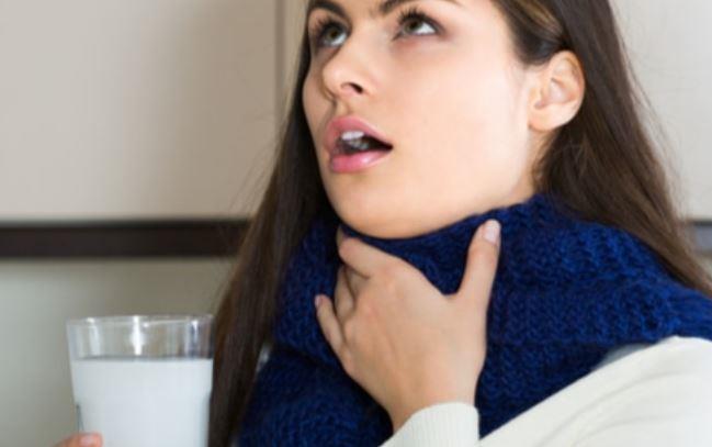 5 فوائد للغرغرة بالماء والملح