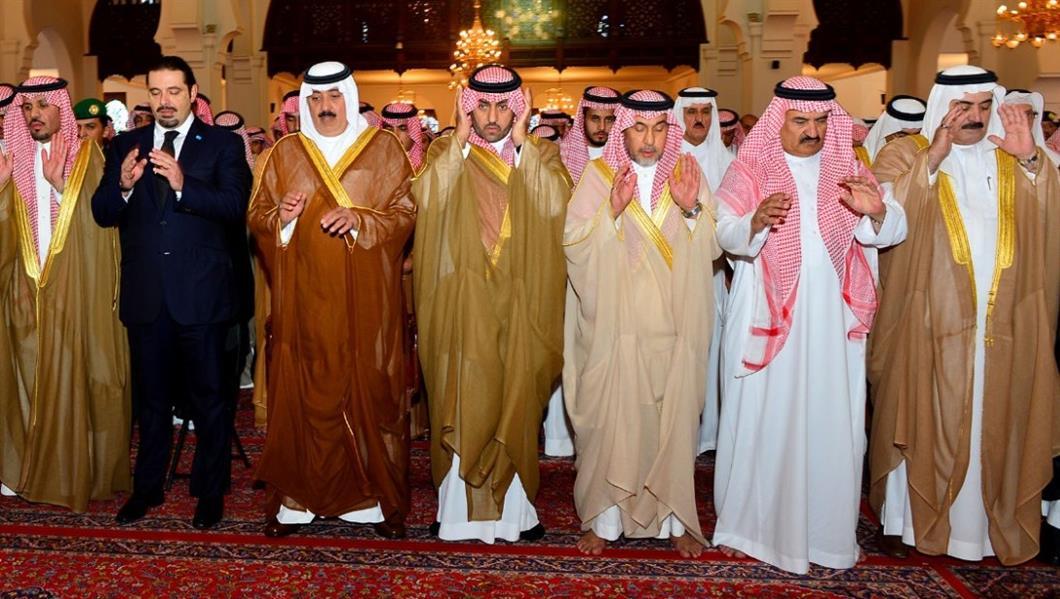 عبدالرحمن الفيصل Detail: بالصور..وزير الحرس الوطني وأمير الرياض يؤديان