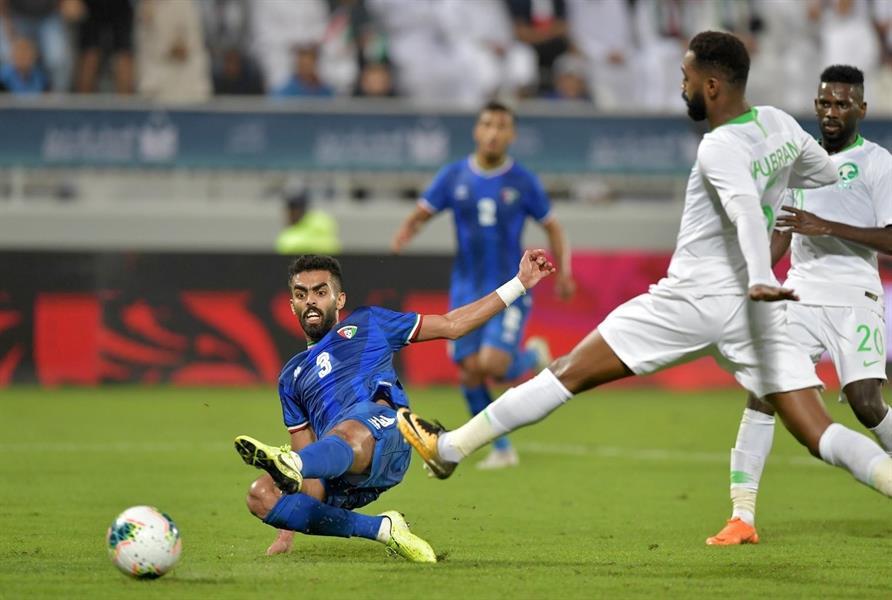 الأخضر يخسر بثلاثية من الكويت في استهلالية مبارياته في خليجي 24