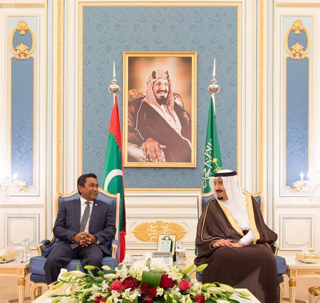 بالفيديو والصور.. خادم الحرمين يستقبل رئيس جمهورية المالديف ويقيم له مأدبة غداء