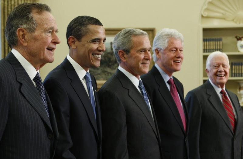 تعرف إلى راتب الرئيس الأمريكي وميزانية الأكل والترفيه.. وهؤلاء تبرعوا برواتبهم