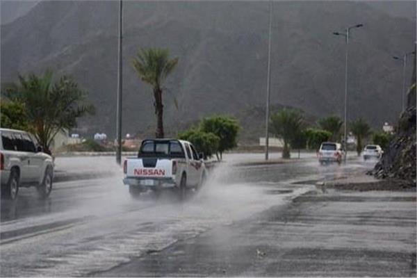 الحصيني: أمطار متفاوتة حتى صباح يوم غد على هذه المناطق