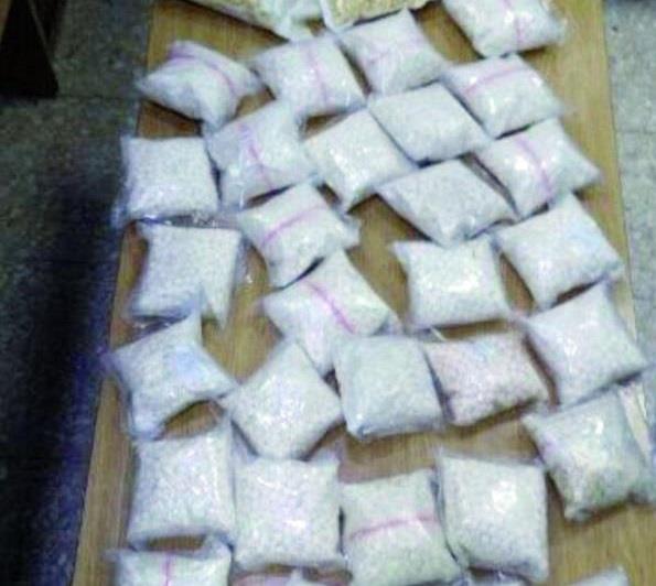 """""""مكافحة المخدرات"""": القبض على خلية مروجين بحوزتهم أكثر من 110 آلاف حبة محظورة"""