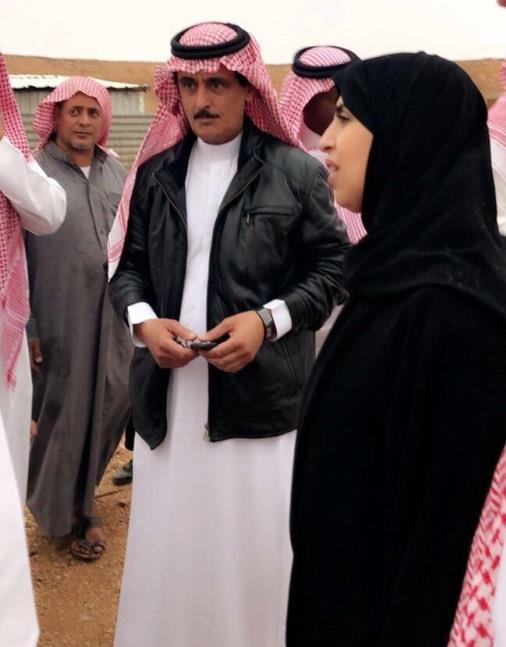 بالصور.. نائبة وزير العمل تقف على حالة أسرة فقيرة وتوجّه بمساعدتها
