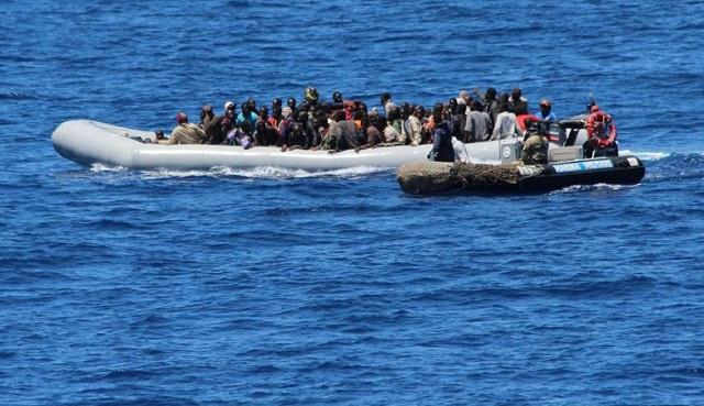 تونس تنقذ 67 مهاجرا افريقيا ابحروا في قارب مكتظ باتجاه إيطاليا