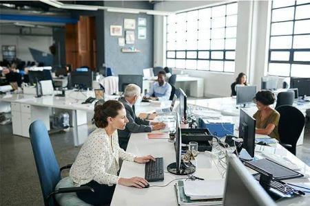 تقرير ينصف الموظفين: 5 ساعات عمل في اليوم ، إنتاج أفضل