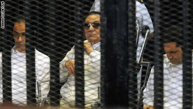 """محكمة القرن.. اتهام الإخوان و""""مندسين"""" بقتل المتظاهرين لـ""""إسقاط"""" مصر"""