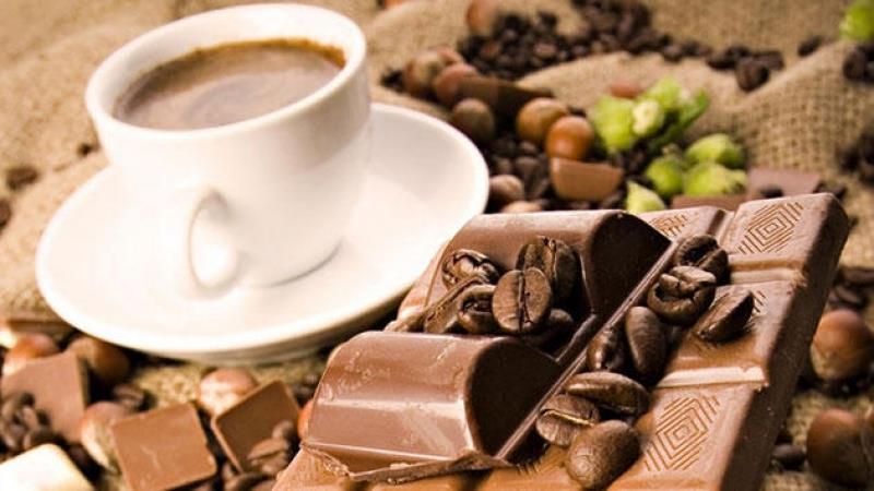 قهوة وشوكولاتة