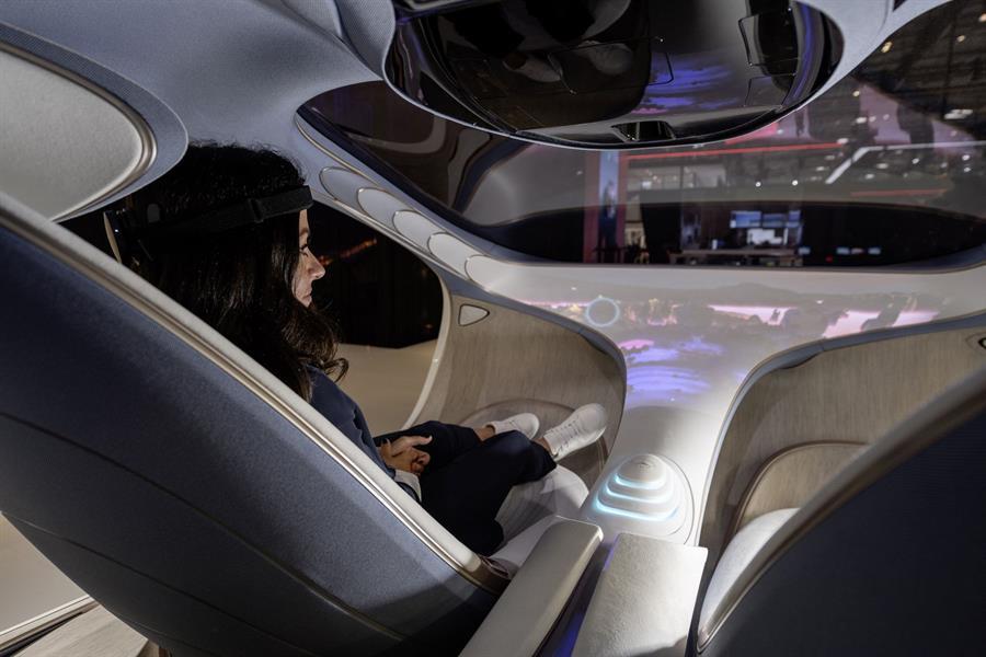 """""""مرسيدس- بنز"""" تكشف تفاصيل أحدث سياراتها ذاتية القيادة"""