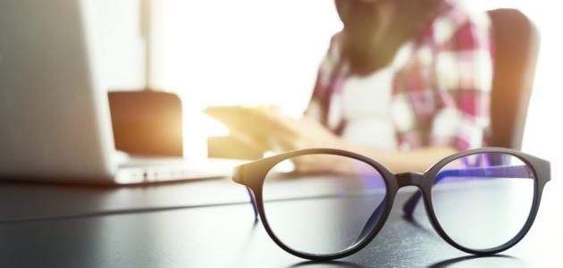 """دراسة: ارتداء النظارات يقلل من خطر الإصابة بفيروس """"كورونا"""""""