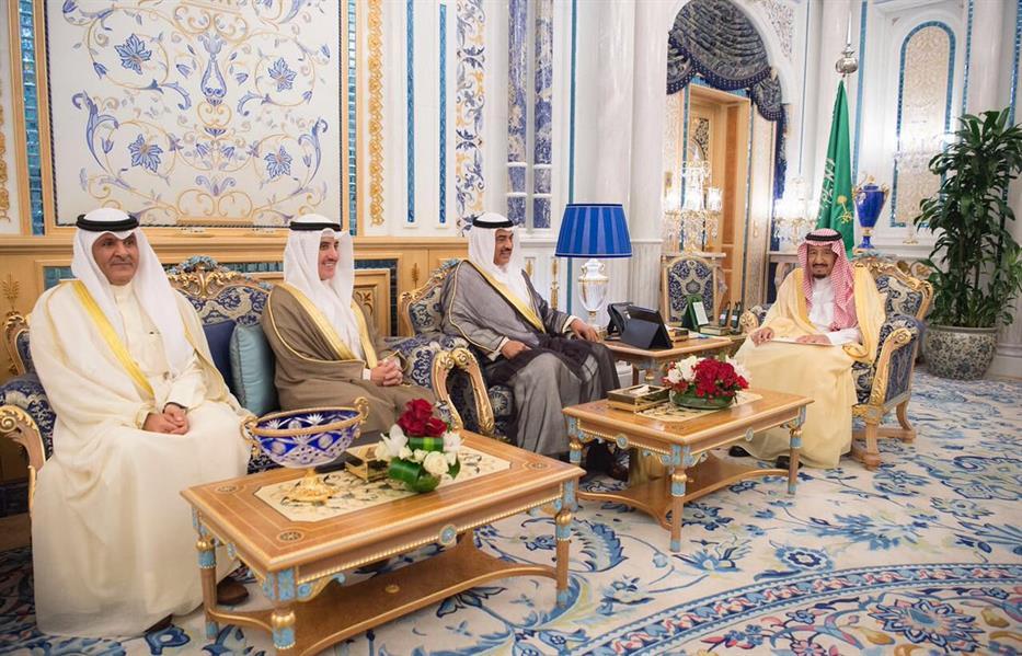 خادم الحرمين يتسلم رسالة خطية من أمير دولة الكويت