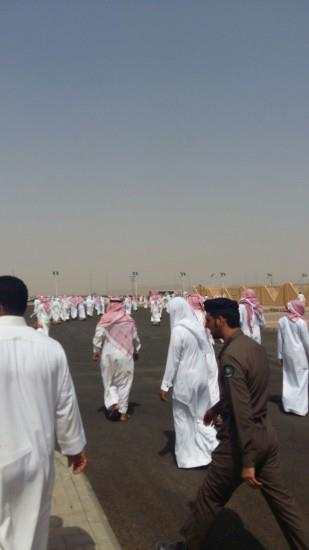 """محافظة بارق تودع شهيدها """"المطيور"""" (فيديو وصور)"""