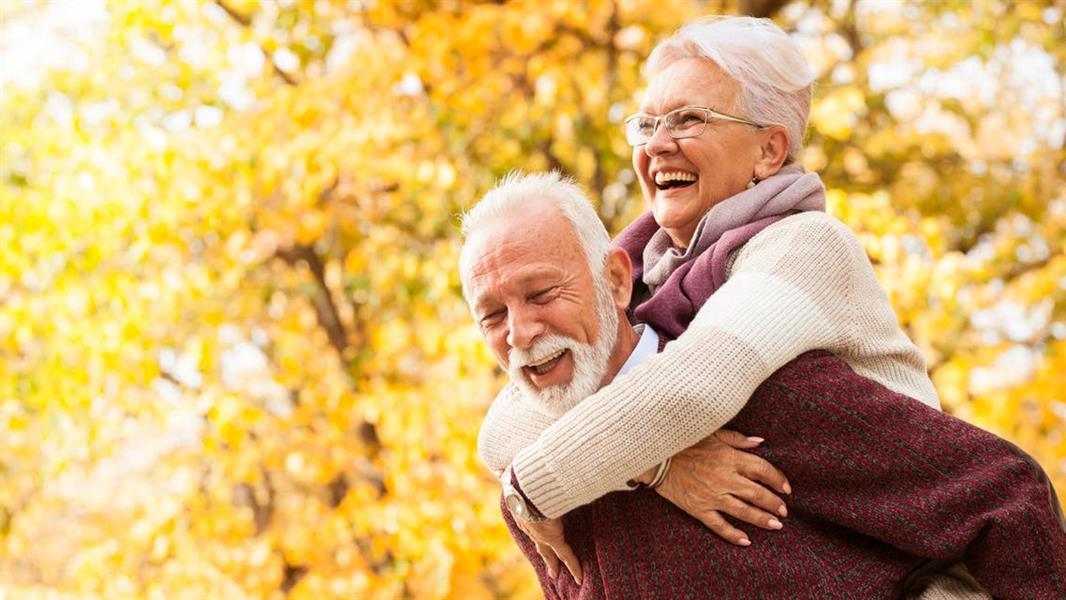 فوائد الضحك للقلب ومخاطر الجلوس.. 11 حقيقة صحية ستفاجئك
