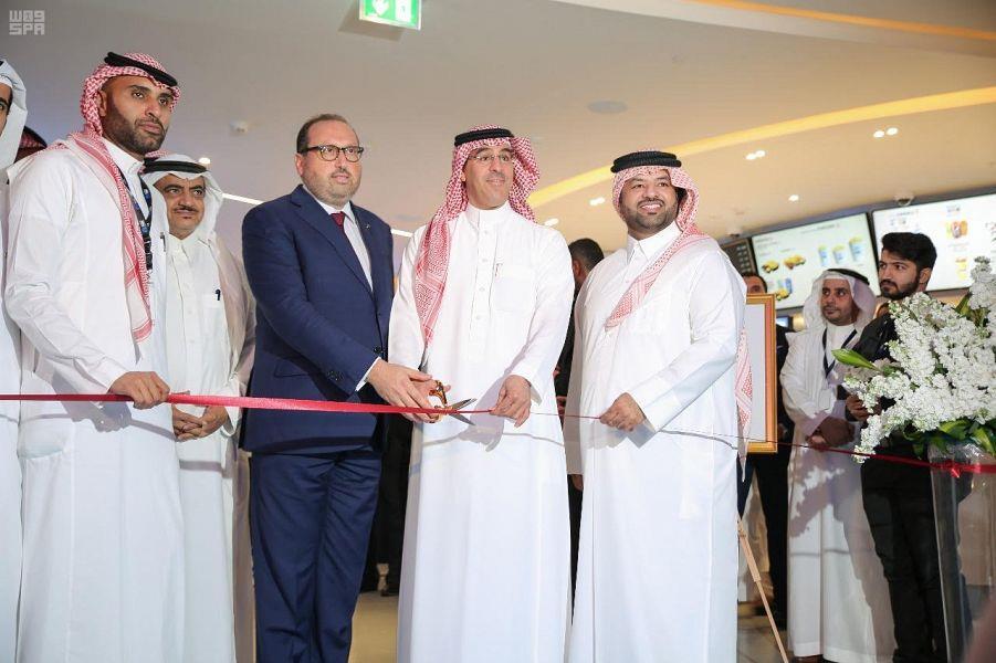"""افتتاح ثاني دور السينما بالمملكة في """"الرياض بارك"""".. وإعلان أسعار التذاكر وموعد العرض (صور)"""