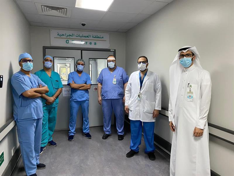 في عملية نادرة وشديدة الخطورة.. فريق طبي بمدينة الملك عبدالله الطبية ينقذ حياة ثمانينية