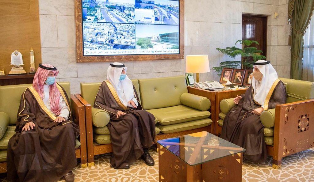 أمير الرياض ووزير الموارد البشرية يوقعان مذكرة تفاهم لتدشين أعمال برنامج التوطين بالمنطقة