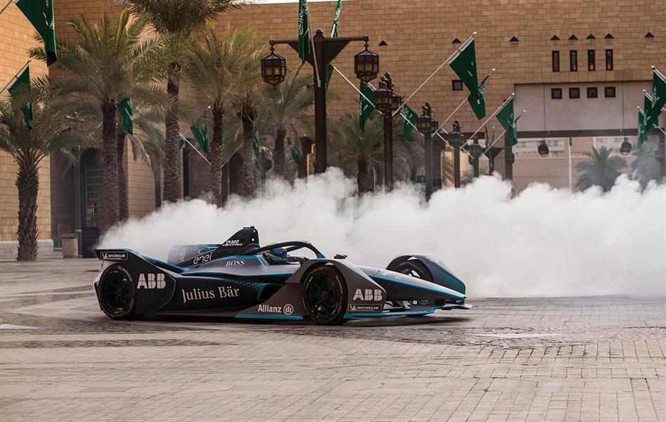 """""""تطوير الدرعية"""": نستضيف أول سباق في تاريخ """"فورمولا إي"""" يقام ليلاً.. ونخطط لاستضافة بطولات أخرى"""