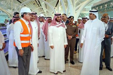أمير مكة بالنيابة يتفقد مشروع مطار الملك عبدالعزيز الدولي الجديد (فيديو وصور)