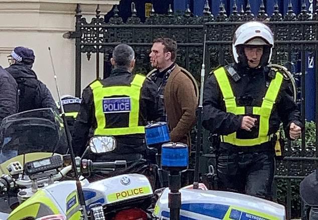 إحباط محاولة إحراق مقر إقامة سفير المملكة لدى بريطانيا ... واعتقال 3 أشخاص