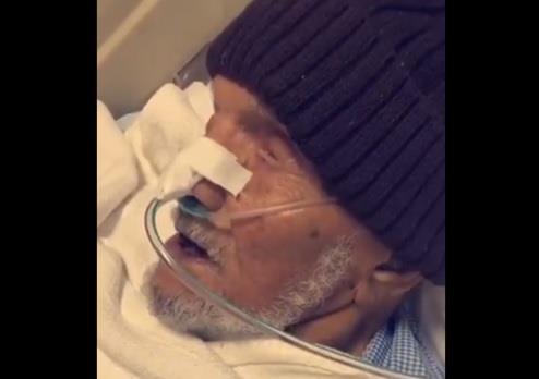 مسنٍ في اللحظات الأخيرة قبل وفاته